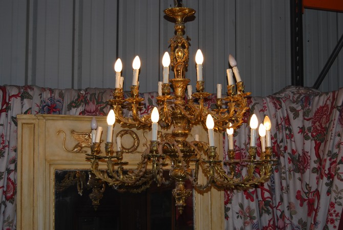 lustre ancien lustre bronze porte anciens console marbre. Black Bedroom Furniture Sets. Home Design Ideas